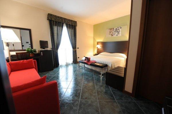 Hotel Palacavicchi, Ciampino