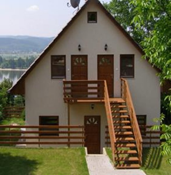 Holiday Apartmanhouse, Zebegény