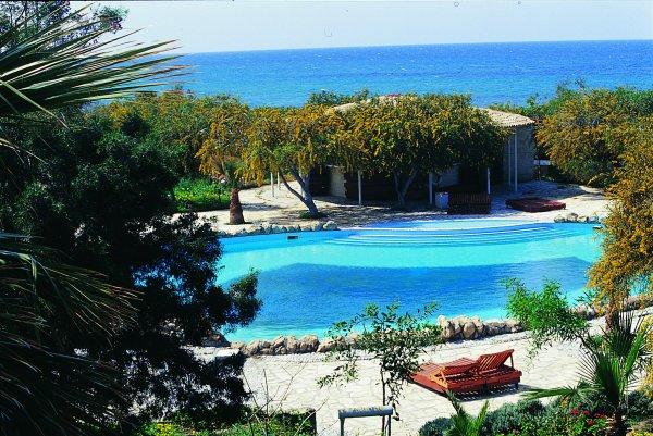 Riviera Beach Hotel and Bungalows, Kyrenia