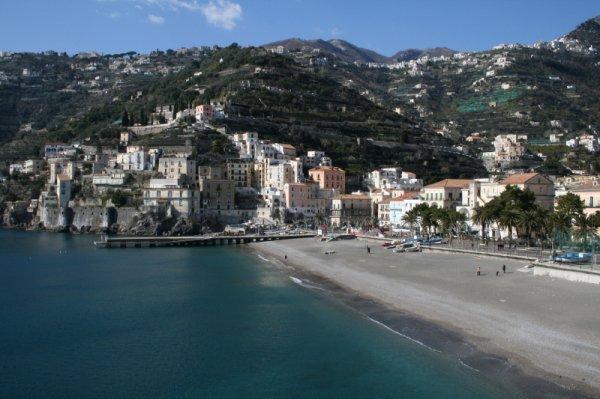 Amalfi Flat, Amalfi