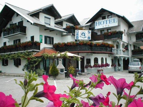 Hotel Silvester, Cerklje
