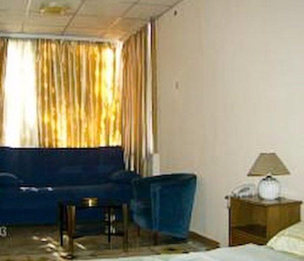 Royal Hotel, üsküp