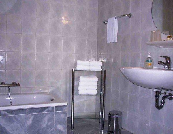 Hotel Marjani, Hanoveris