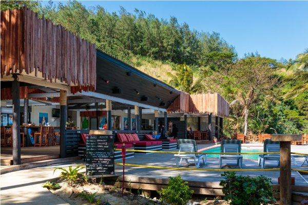 Funky Fish Beach & Surf Resort, Malolo Island