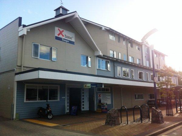 Base Taupo , Taupo