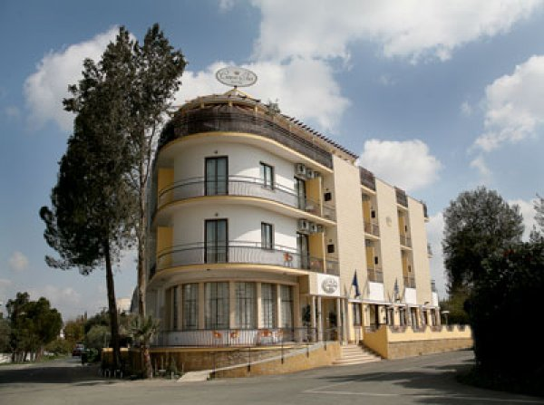 Crown inn Hotel, Nicosia