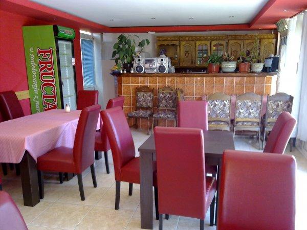 Vila Jadran, Bar
