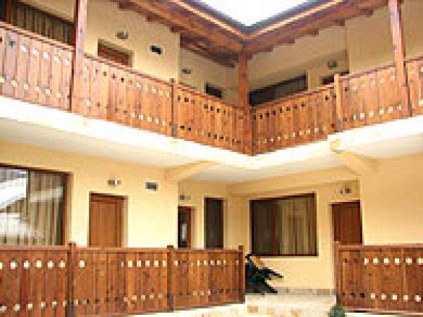 Kadewa House Pajoko, Bansko