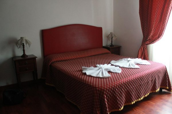 Hostel And Hotel Il Papavero, Рим
