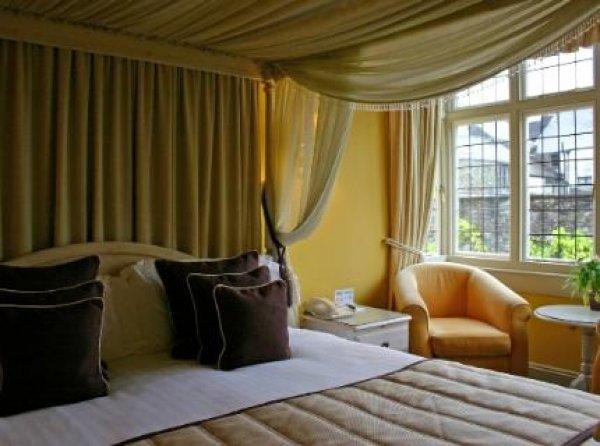 Browns Hotel, Tavistock