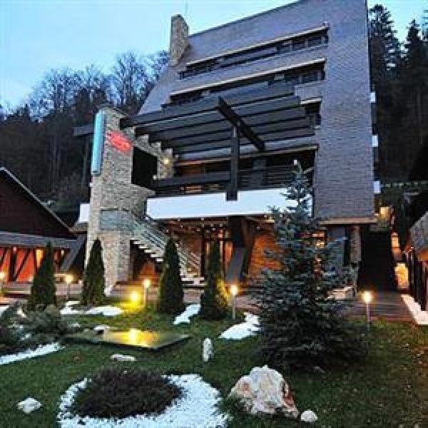 Freya House, Busteni