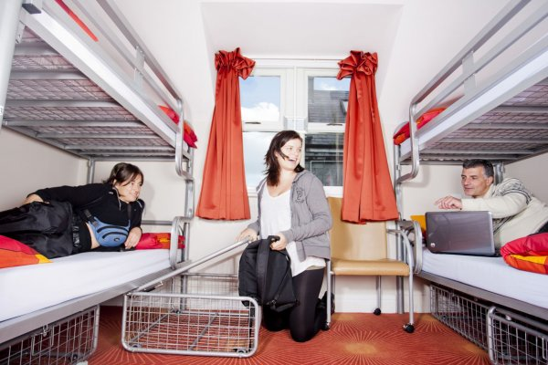 Snoozles Quay Street Tourist Hostel, Galway