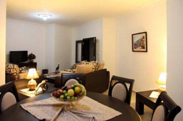 Kingdom Suite Hotel, Damour