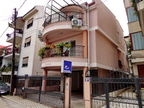 Villa Ld, Σκόπια
