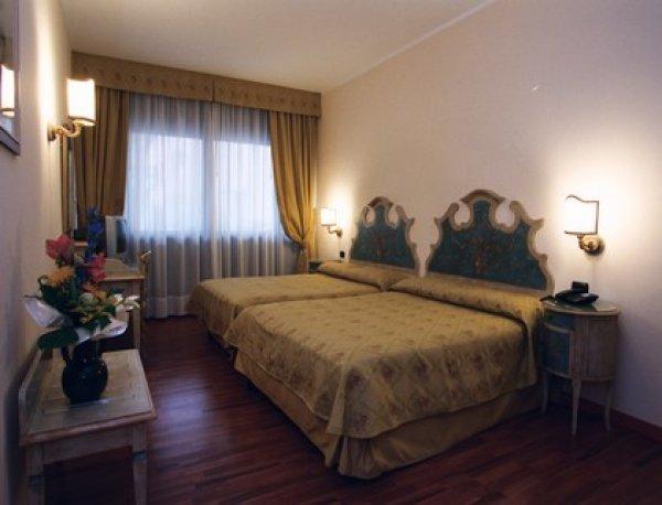 Hotel Piave, Venecija Maestras