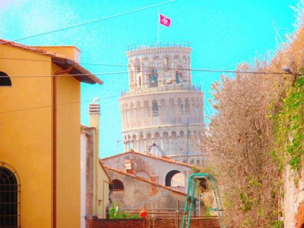 A Casa Doina Tower, Pisa