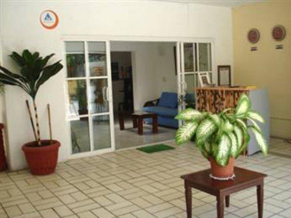 Moloch Hostel and Suites, Cancún