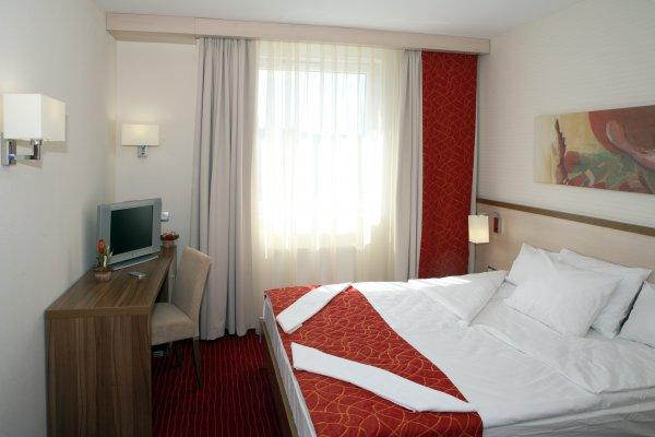 Hotel Famulus, Győr