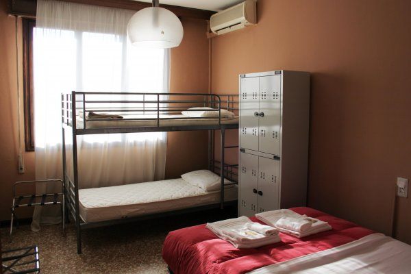 Hotel and Hostel Colombo For Backpackers, Venecia