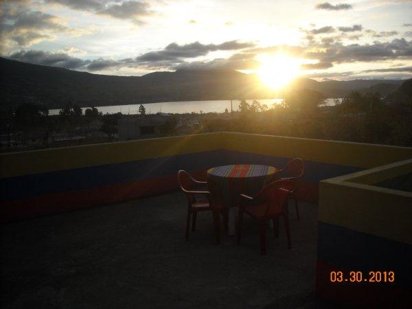 Green House Araque Inn, Отавало