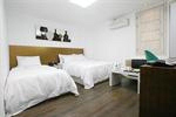 Suwon Starmade Hotel, 水原市