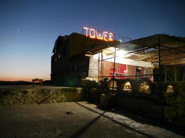 Dana Tower Hotel, Dana