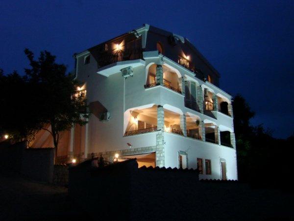 Villa del mar, Sutomore