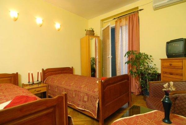 Hotel Vuk, Σκόπια