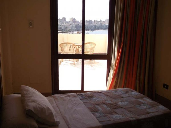 Hotel Queen Transit Alexandria, Александрия