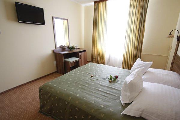 Hotel Lyra, Oradea
