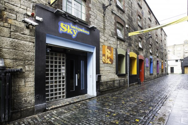 Sky Backpackers, Dublinas