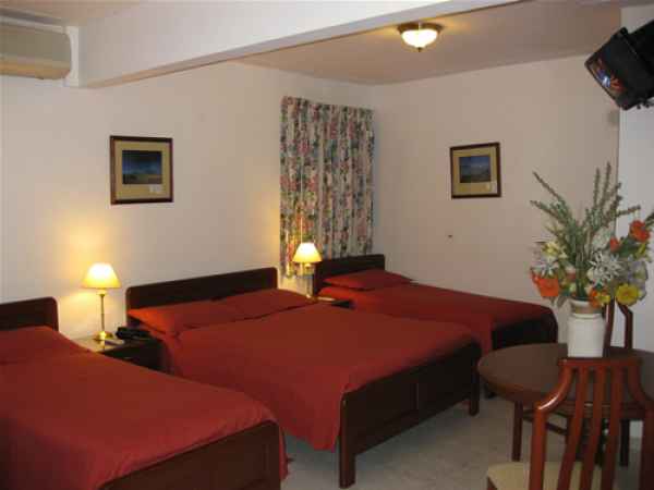 Hotel California, Santa Cruz