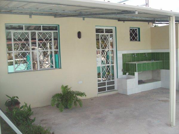 Villa Raquel, Χολγκουίν