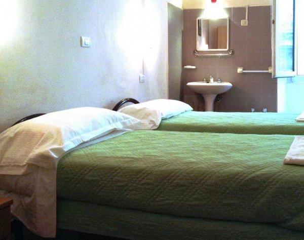 Hotel Bernheof, Genoa