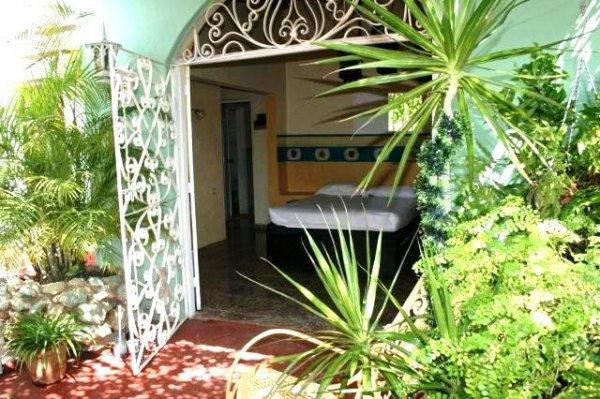 Casa Mirelis, Trinidad