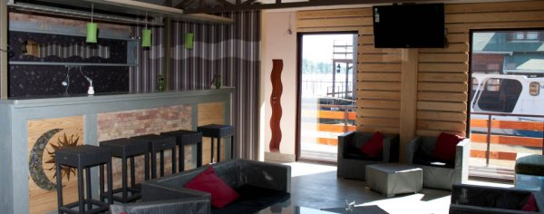 San Art Floating Hostel, Belehrad