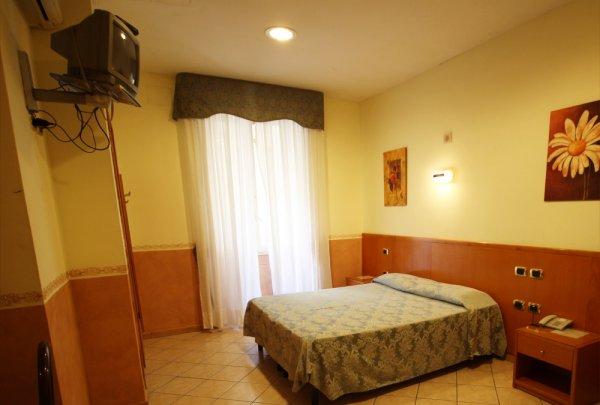 Hotel Zara, Naples