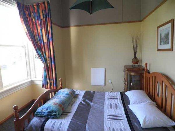 Bazils Hostel, Westport