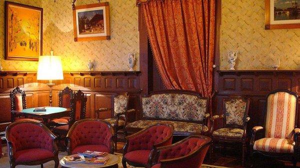 Alegre Hotel, Luso