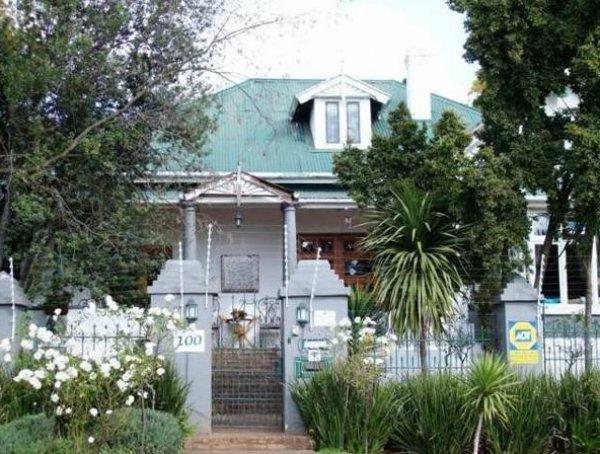 Nomndeni de la Changuion, Йоханесбург