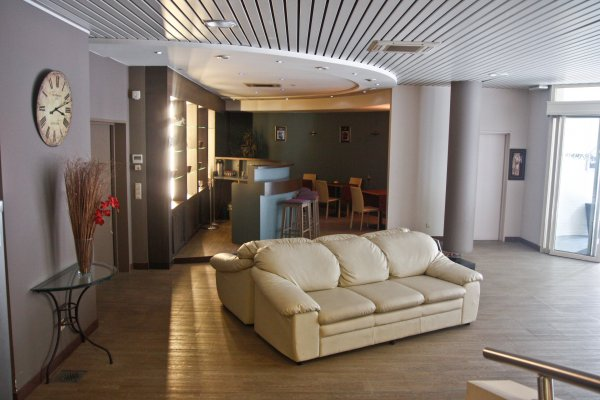 Ambassador Suites Antwerp, Anversa