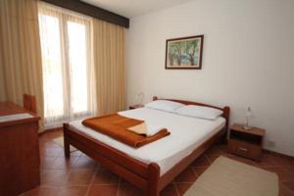 Vir Hotel , Virpazar