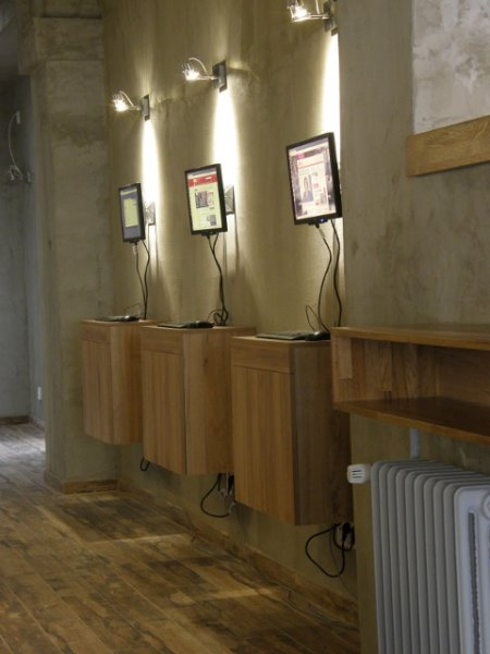 Mojo Inn, Praha