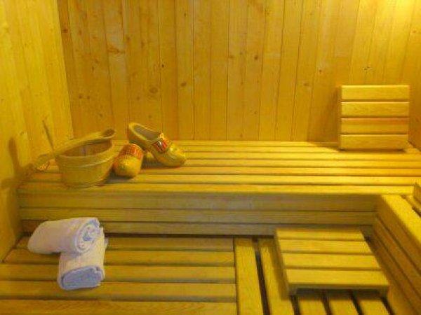 Sagal Hotel, Vinica