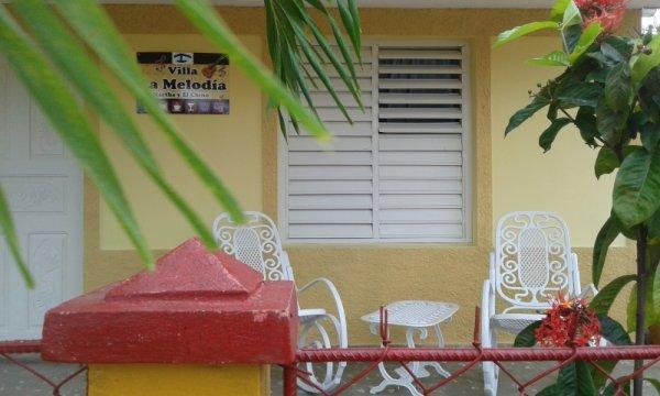 Villa Marta y El Chino - BnB, 比尼亚莱斯