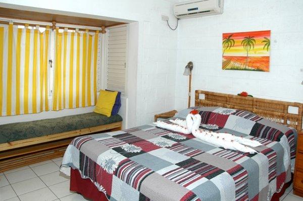 Fisherman's Point Resort, Seint Ana