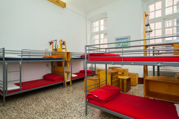OStellin Genova Hostel, Генуя