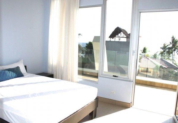 Room2Board Hostel and Surf School, Jacó