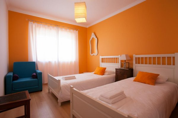 Ericeira Chill Hill Hostel and Private Rooms - Sea Food, Ericeira
