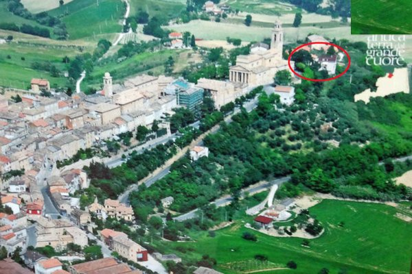 All'Ombra Di Tre Giganti, 马切拉塔(Macerata)